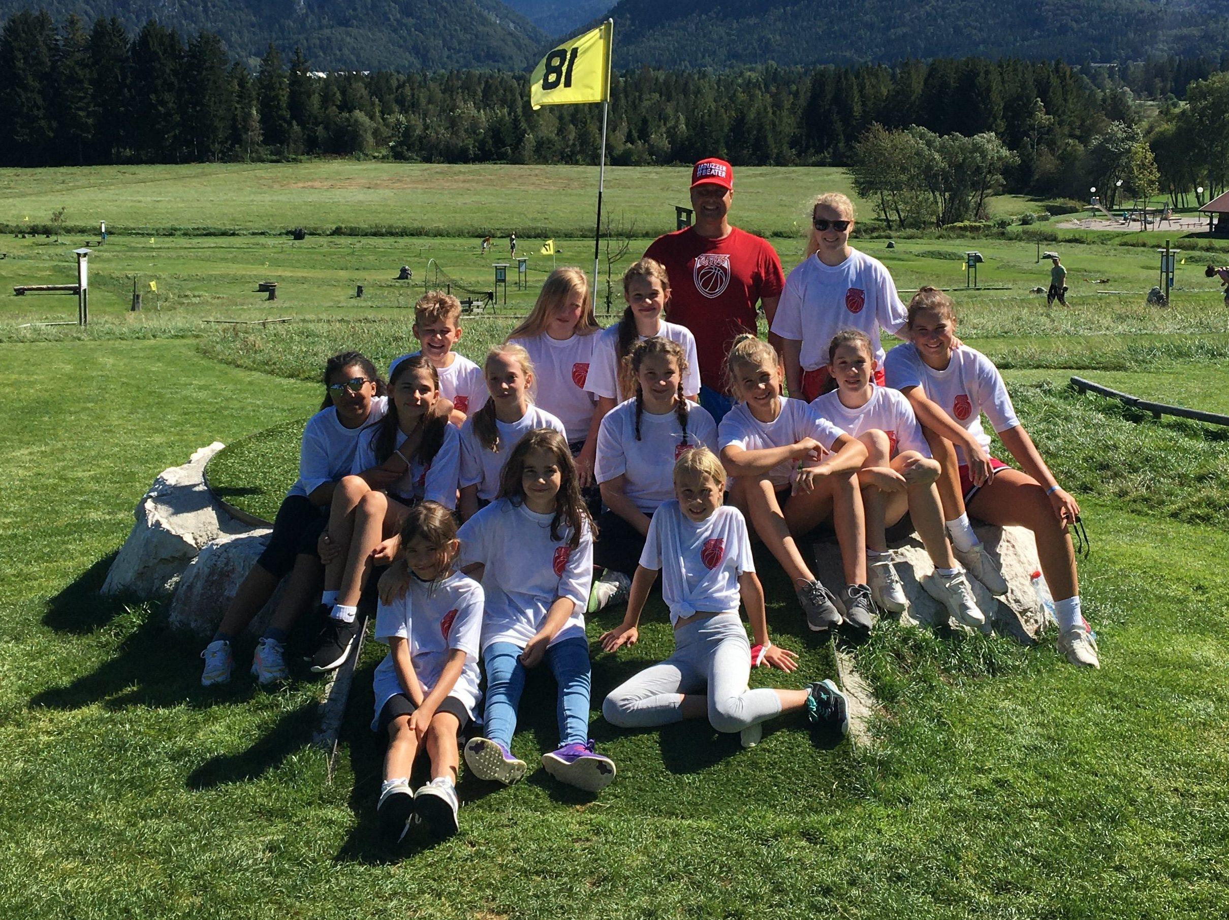 Teilnehmer und Betreuer des Sommercamps